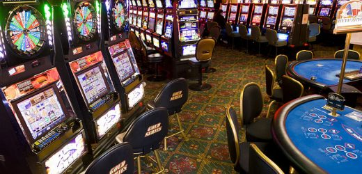 Choose online casinos and experience these significant benefits while playing online poker