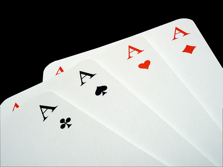 5 Secrets of Poker: Strategies for Playing Online